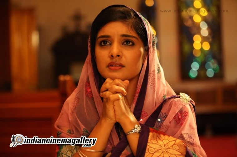 Niveda-Thomas-January-2013-stills-(30)8572