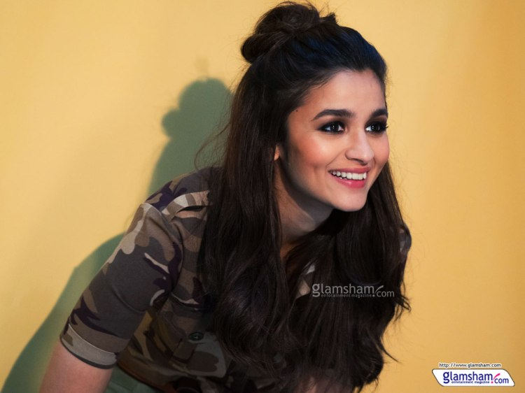 alia-bhatt-cute-wallpaper-10-12x9